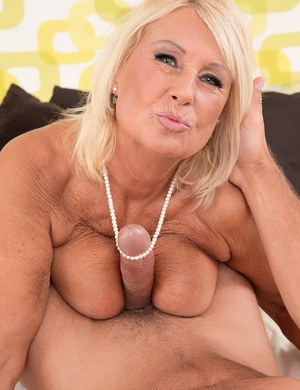 Jenny handjob 50 and big