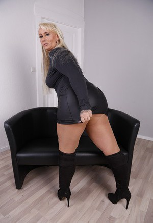 Grand Thumbs Matures And Pantyhose Secret