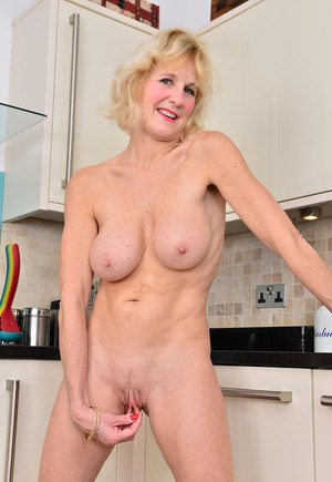 Super Grannysex 81