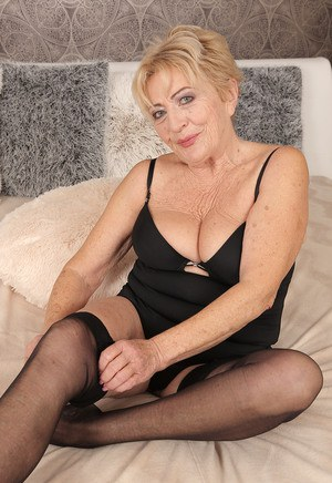 Blonde granny hot and horny model