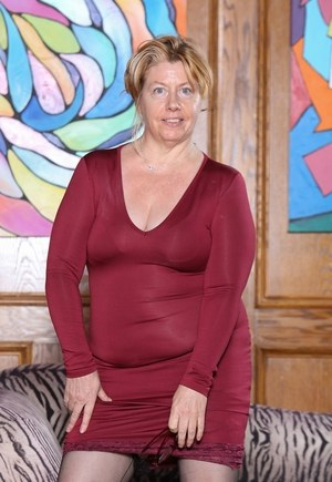 photo gallery hairy pussy old mature granny