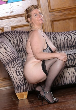 Granny In Stockings Pics