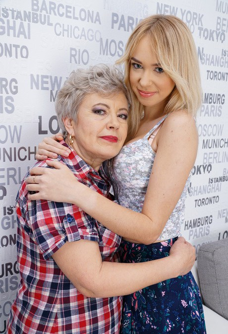 Old And Young Lesbian Porn